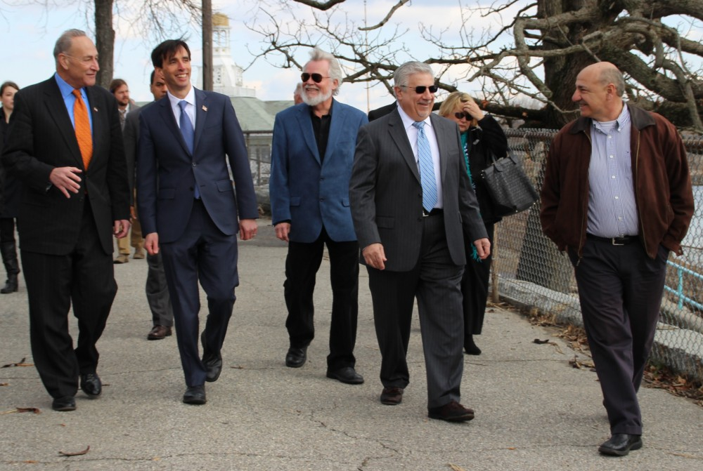 Sen. Schumer and Mayor Noam Bramson tour Hudson Park with Members of Council.