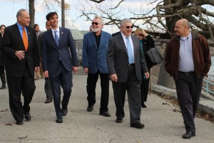 Sen. Schumer and Noam tour Hudson Park with Members of Council.