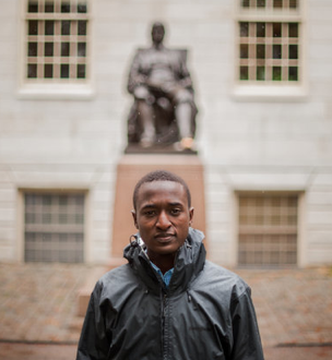 Justus Uwayesu at Harvard (Credit: Credit Ian Thomas Jansen-Lonnquist)
