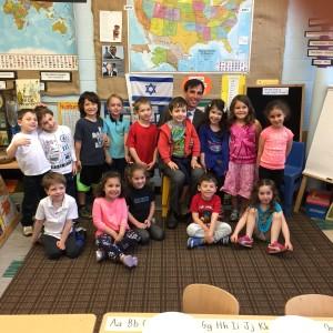 Mayor Noam Bramson with Beth El nursery school students.